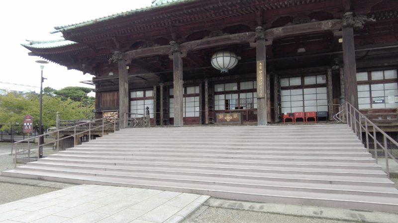 護国寺本殿